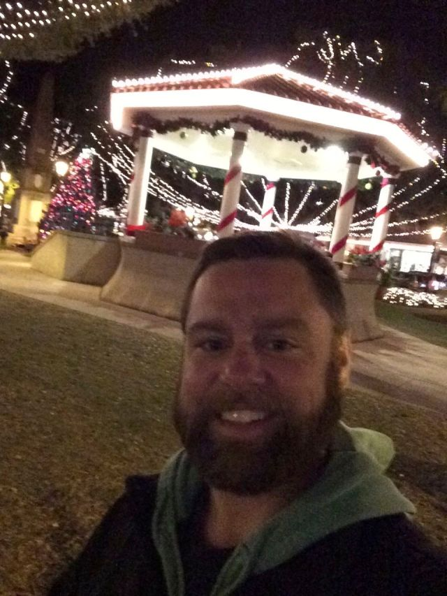 59 - lights selfie